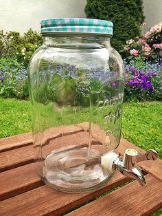 3,5-Liter-Glas / Getränkespender mit Ablasshahn, perfekt für Kombucha, Wasserkefir und Ginger Root Kefir. Jetzt bei www.wellness-drinks.de