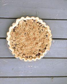 The Fruits of our Labour: Saskatoon Crumb Pie Saskatoon Berry Recipe, Pick Your Own Fruit, Homemade Pie, No Bake Desserts, Apple Pie, Berries, Baking, Tarts, Recipes