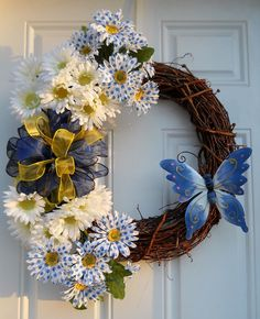 Blue Polka Dot Daisy Grapevine Wreath by dottiedot05 on Etsy