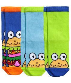 3 paria sukkia, koko 31/33. 4 €