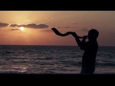 Street Shofar treks across Israel -- from Jerusalem's Old City to military bases, from Bedouin villages to posh suburban pa. Yom Teruah, Yom Kippur, Happy New Year Quotes, Quotes About New Year, Jewish High Holidays, Happy Holidays, Jewish Customs, Breaking Israel News, Feasts Of The Lord