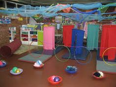 Resultado de imagen para intervenciones artisticas en el jardin de infantes Activities For One Year Olds, Learning Activities, Interactive Installation, Kids Zone, Baby Learning, Reggio Emilia, Fine Motor Skills, Mom And Baby, Montessori