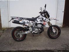 SUZUKI DRZ 400 E 400 cc DRZ 400 super moto - http://motorcyclesforsalex.com/suzuki-drz-400-e-400-cc-drz-400-super-moto/