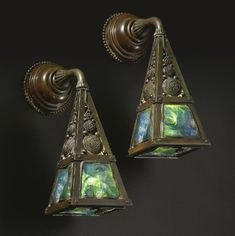 Antique Tiffany Studios Arts and Crafts Wall Sconces - for my exterior doors, patio or powder room? Antique Lamps, Antique Lighting, Vintage Lamps, Art Nouveau, Lampe Applique, Tiffany Art, Art And Craft Design, Design Design, House Design