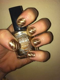 Avon Colour Attract nail art! #FestiveFingertips