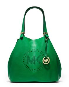 This would be my perfect little Saturday Michael Kors bag on the go. # wishlist