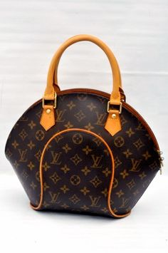 Louis Vuitton Ellipse PM Monogram Hand Bag 2fed61b36a537