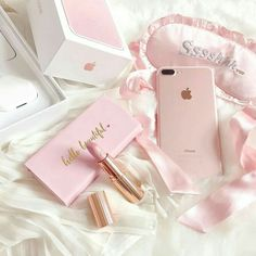 Gotta have em pink pink aesthetic, pink love, everything pink. Pretty In Pink, Pink Love, Rose Gold Aesthetic, Aesthetic Light, Aesthetic Pastel Pink, Aesthetic Colors, Tout Rose, Accessoires Iphone, Everything Pink