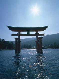 Itsukushima-jinja Shrine, Hiroshima © Kazuyoshi Miyoshi/PPS