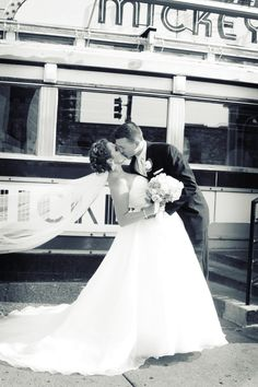 Get your photo taken in front of a Minnesota landmark--Mickey's Diner! Precious! #MinneapolisWeddingPhotographers