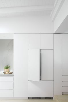 Lanas Forever Home The Kitchen Tools by Fisher & Paykel Home Decor Kitchen, Kitchen Interior, Home Kitchens, Dream Kitchens, Kitchen Ideas, Minimal Kitchen Design, Minimalist Kitchen, Design Kitchen, Santorini House