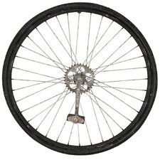 Bicycle wheel decor on pinterest window decorating for Bicycle wheel wall art