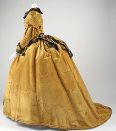 1867–68 Dress  American The Me
