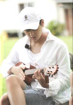 BibiBoy 💖 Chanwoo Ikon, Kim Hanbin, Funny Fights, How Big Is Baby, Big Baby, Ikon Debut, K Pop Music, Boys Over Flowers, Lee Min Ho