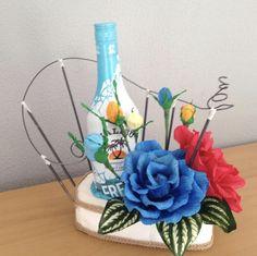 Aprende a elaborar esta bonita idea en nuestro canal de YouTube crearydecorar Vase, Table Decorations, Ideas, Home Decor, Pretty, Homemade Home Decor, Flower Vases, Jars, Thoughts