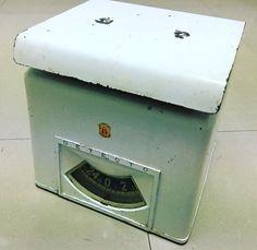 50's DETECTO antique scale made in USA 8900  アイアンの質感とシャビーな風合いがとても良いDETECTO社の秤ですインダストリアルな家具とも相性が良さそうです  #antique#vintage#scale#antiquescale#shabbychic #vintagescale#kitchenscale#industrialdesign #アンティーク#ヴィンテージ#アンティークスケール#ヴィンテージスケール#計り#秤#アンティーク秤#ヴィンテージ秤#シャビー #シャビーシック by 283t.s