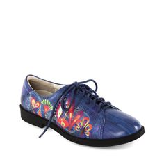 """LADIES GOLF FASHION New Fall 2014 """"Jolie"""" Golf & Walking shoe. Artist....Rex Ray. Interested in hosting an ICON Trunk Show at your Country Club? contact: marla@iconshoes.com"""
