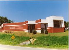 Anderson Branch Library ─ It opened on June 7, 1981, quickly became one of the busiest branches in Hamilton County. In 1988, 5,000 additional square feet of space was added to the building, making it the largest branch in our system. A number of improvements were made during the renovation, including expanding the children's area, enlarging the collection, and purchasing additional computer work stations. The remodeled facility was rededicated in 1998.