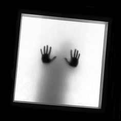 Claustrofobia / Claustrophobia by * Cati Kaoe *, via Flickr