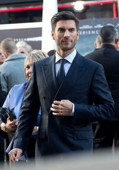 Wes Bentley in navy double-breasted Ermenegildo Zegna   #suits