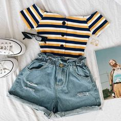 cute outfits for school . cute outfits with leggings . cute outfits for women . cute outfits for school for highschool . cute outfits for spring . cute outfits for winter Dressy Summer Outfits, Cute Casual Outfits, Retro Outfits, Stylish Outfits, Casual Jeans, Casual Summer, Spring Outfits, Casual Chic, Casual Updo