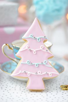 A Kindred Spirit — prettie-sweet: (via Le Petit Cadeau: Millinery. Cute Christmas Cookies, Pink Christmas Tree, Christmas Colors, Christmas Baking, Christmas Fun, Pink Sugar, Cookie Decorating, Winter Things, December 26