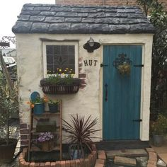 Interior examples such as entrance / entrance / window / stained glass / antique / shed DIY / hut Rustic Shed, Garden Tool Shed, Small Sheds, Playhouse Outdoor, Backyard Sheds, Potting Sheds, She Sheds, Shed Design, Garden Styles