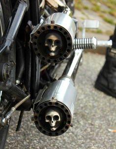 Skull pipe