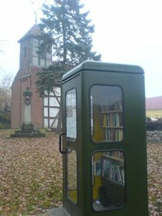 Bücher-Zelle, or Book Cell, is what it looks like: a used book shop/exchange in a disused phone booth.