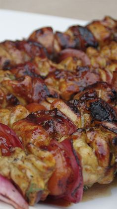 CHICKEN SOSATIES WITH APRICOTS & ONIONS Sosaties are the Afrikaans name for meat on a stick or quite simply kebabs. Sosaties are great made with beef, chicken or lamb. In this version I skewer on some apricots and onions. They caramelize on the grill an South African Braai, South African Dishes, South African Recipes, Braai Recipes, Kebab Recipes, Cooking Recipes, Healthy Recipes, Oven Recipes, Recipies