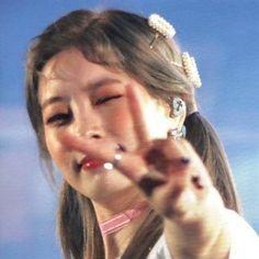 reqs are open! Kpop Girl Groups, Korean Girl Groups, Kpop Girls, Extended Play, Nayeon, K Pop, My Girl, Cool Girl, Rapper