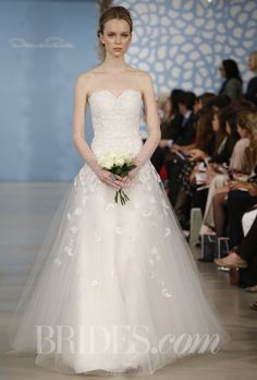 "A Sweetheart Ball Gown: Oscar de la Renta - Spring 2014. ""Augusta"" white silk taffeta filigree applique tulle sweetheart ball gown, Oscar de la Renta Photo c/o brides.com  (410) 819-0046"
