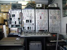 Five G Vintage Synth Shop
