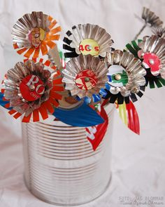Blomma (4)w Metal Crafts, Wood Crafts, Recycling, Pop Cans, Party Centerpieces, Diy Projects To Try, Metal Art, Upcycle, Canning
