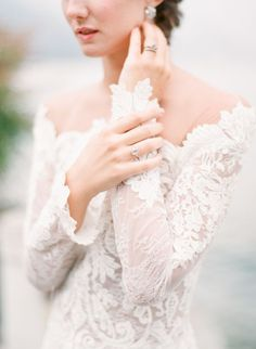 Inspiration Robe du Mariage : Description Lace off-the-shoulder wedding dress Stunning Wedding Dresses, Princess Wedding Dresses, Wedding Dress Styles, Bridal Dresses, Bridal Photography, Wedding Photography Inspiration, Wedding Inspiration, Photography Poses, Wedding Ideas