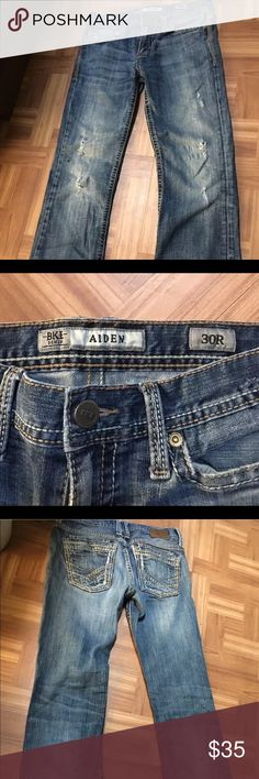 MENS EXPRESS BKE AIDEN JEANS SIZE 30R Great condition. Distressed pair of jeans. No stains. Smoke free and pet free home. BKE Jeans Straight Leg