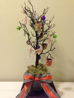 Halloween tree, yup doing this with my daughter this year!