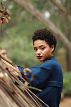 Kiersey Clemons aka Mac. She despises the Circus and looks for the best way out.