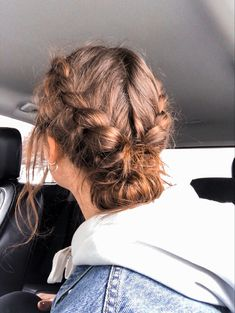 Sporty Hairstyles, Messy Hairstyles, Pretty Hairstyles, Hairdos, Hair Inspo, Hair Inspiration, Aesthetic Hair, Aesthetic Body, Good Hair Day