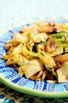 Cabbage_Mushroom_Stir_Fry_Recipe_002
