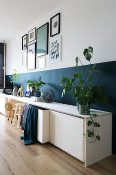 40 The Little-Known Secrets to Half Painted Walls Living Room 40 The Little-Known Secrets to Half Painted Walls Living Room Laura Zimmertausch The Demise of Half Painted Walls Living nbsp hellip Painting walls Half Painted Walls, Long Walls, Teal Walls, Hallway Decorating, Decorating Ideas, Room Colors, Home And Living, Living Room Decor, Living Room Walls