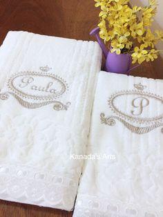 Kit toalhas - brasão com nome e inicial. Puro charme