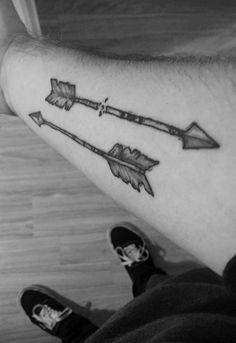 BLACKWORK TATTOO✖️ ARROWS artwork: me (@maybe.liz), not tattooed by me