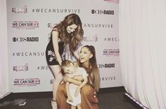 """224.1 mil curtidas, 1,164 comentários - Laura (@lauramarano) no Instagram: """"I want you all to know this adorable child literally ran into Ariana's arms, and it was the cutest…"""""""