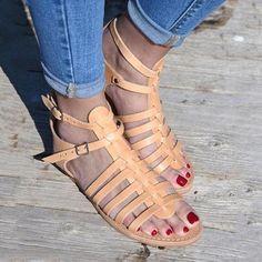 fa72027296ec Retro Sandals Side Empty Low-Cut Buckle Solid Color Pumps
