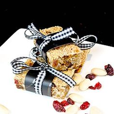 Cranberry and applesauce granola bars by suzanneper