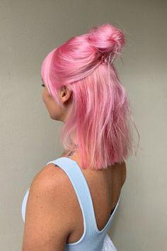 Pastell Pink Hair, Hair Color Purple, Hair Dye Colors, Cool Hair Color, Pink Hair Streaks, Pastel Purple Hair, Bright Hair Colors, Brown Hair Pink Highlights, Ombre Hair