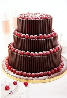 Chocolate and raspberries: two of the best things ever. Beautiful Desserts, Beautiful Cakes, Amazing Cakes, Pretty Cakes, Cute Cakes, Pasteles Cake Boss, Beaux Desserts, Chocolate Dreams, Cake Chocolate