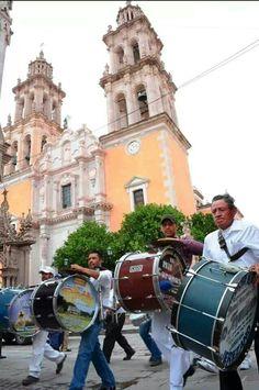 15 Dias y Mevoy,  Tamborazo de Jerez Zacatecas. <3 <3