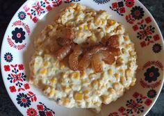 Kukoricafőzelék sült szalonnával | Moór Katalin receptje - Cookpad receptek Oatmeal, Bacon, Breakfast, Food, The Oatmeal, Morning Coffee, Rolled Oats, Essen, Meals